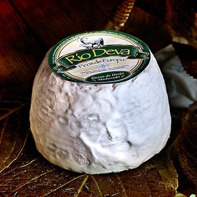 Queso de oveja elaborado en la quesería Río Deva
