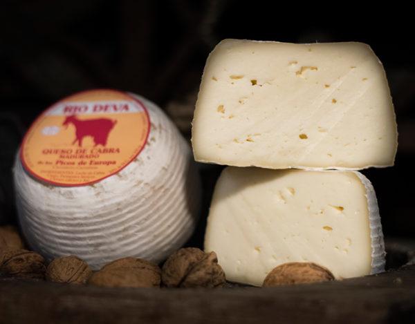 Queso de cabra elaborado en la quesería Río Deva