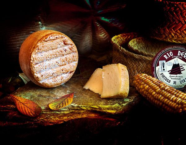 Queso de vaca ahumado elaborado en la quesería Río Deva