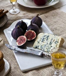 Tabla de queso azul con fruta